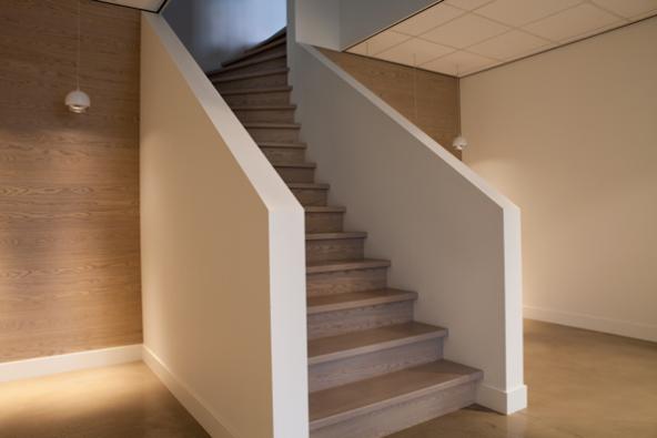 trap met bovenkwart op keepboom