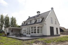 nieuwbouw landhuis: louvre luiken